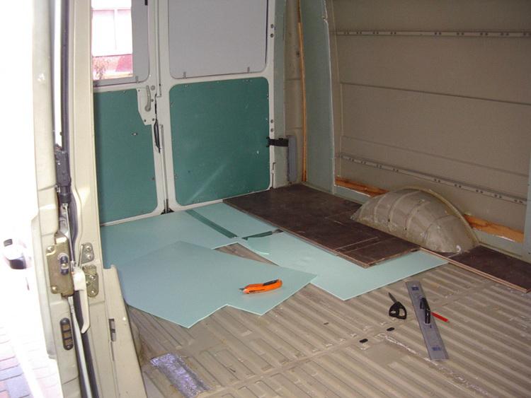 de vloer isoleren en voorbereiden